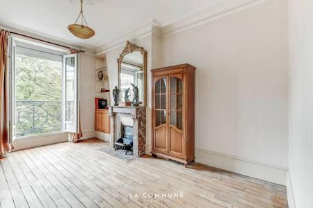 Parisian apartment - charme à l'ancienne